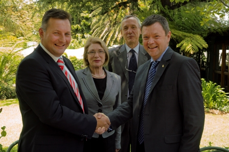 Pictured at the announcement in South Africa are (L-R): Johann Willemse, CEO & Chairman of Equity Pharmaceutical Holdings (Pty) Ltd, Jan O'Sullivan TD., Minister of Trade & Industry, Mr Fred Klinkenberg, Enterprise Ireland, Mr Patsy Carney, Managing Director of Eirgen Pharma