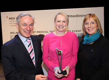 Minister Bruton and Julie Sinnamon CEO Designate Enterprise Ireland present the Clinical Innovation Award 2013 to Julia O'Rourke. The award is sponsored by Enterprise Ireland and Cleveland Clinic.