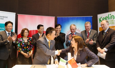 Contract signing by Keelings with Bright Group