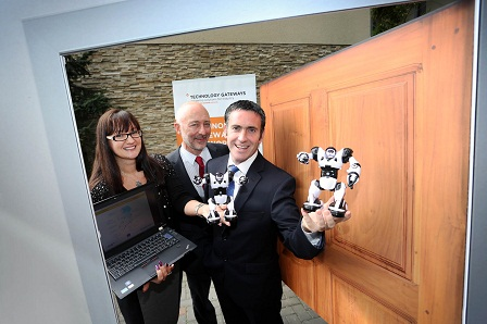 L-R: Suzanne Hamilton, Frontline Consultants, Declan Lyons, Enterprise Ireland with Damien English T.D., Minister for Skills, Research and Innovation